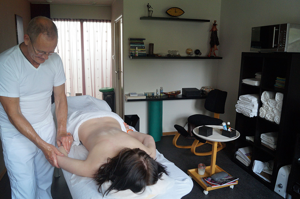 jo-jelmersma-massage-aan-het-werk